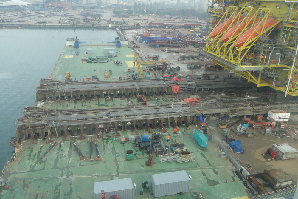 KBB Topside Transverse Loadout at MMHE yard